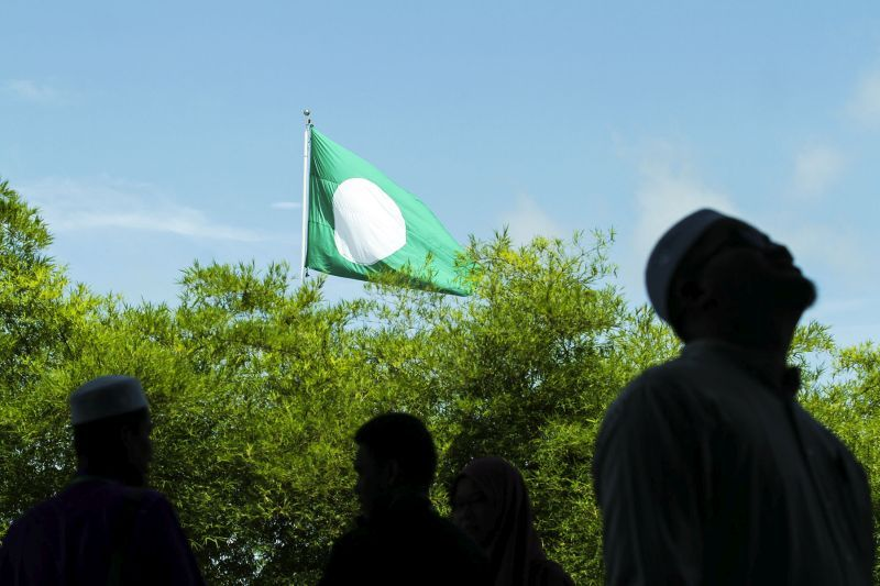 DAP accuses PAS of dancing with extremism in backing call for non-Muslim boycott