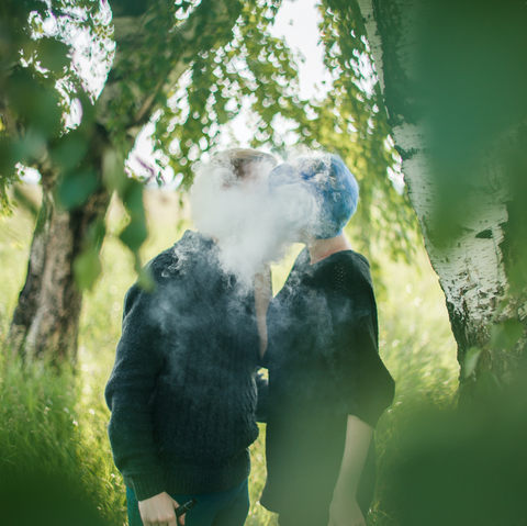 Brides and Grooms Are Saying 'I Juul' (Sorry) to Vaping Wedding Photos