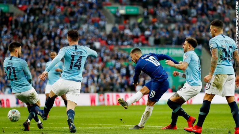 Chelsea manager Sarri rages over sub clash as Manchester City wins League Cup