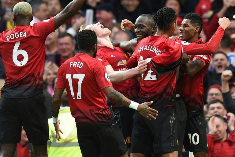 Lukaku strikes late to send Man United fourth