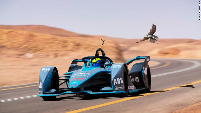 How to drive a 225kph electric race car