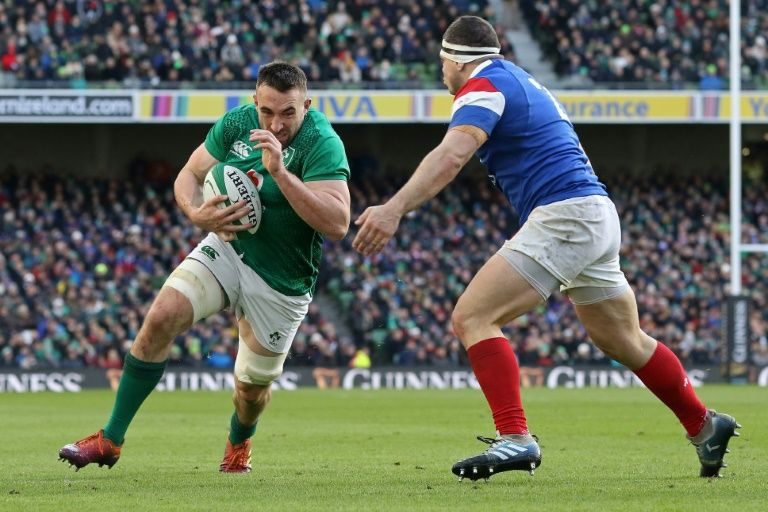 Clinical Ireland beat France to keep alive title hopes