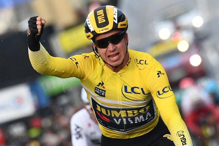 Groenewegen wins in vicious wind, extends Paris-Nice lead