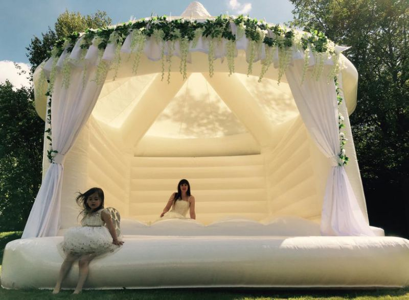 Calling all soon-to-be newlyweds, you can now hire a bouncy castle for your big day