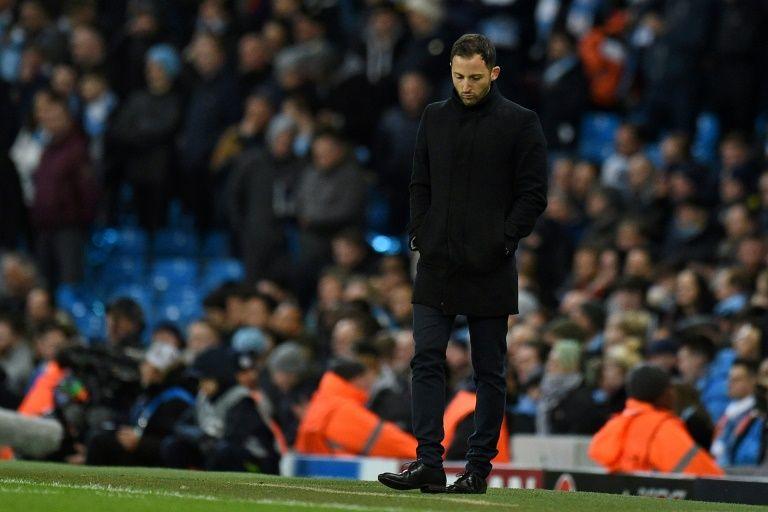 Struggling Schalke sack Tedesco