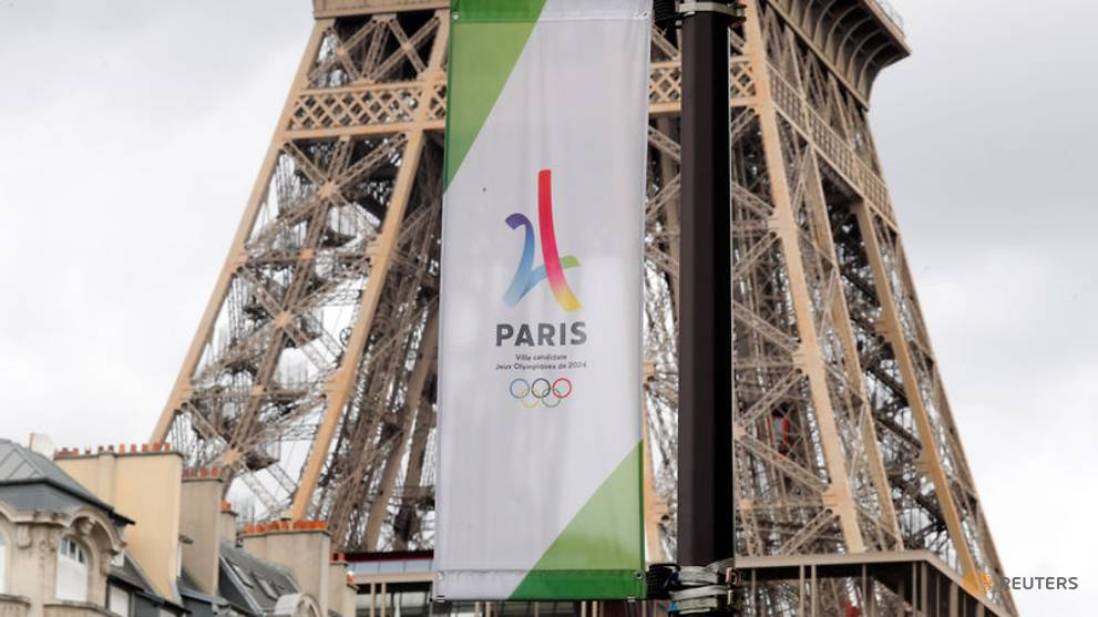 Olympics - Weightlifting to get all-clear from IOC for Paris 2024