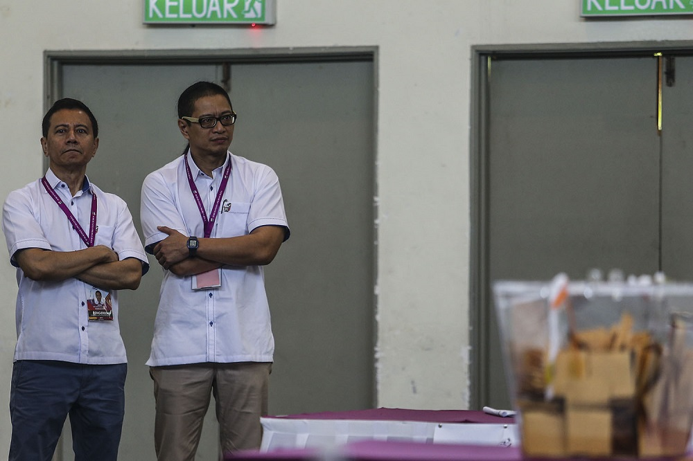 EC: 18-year-olds can only be registered as voters in two years' time