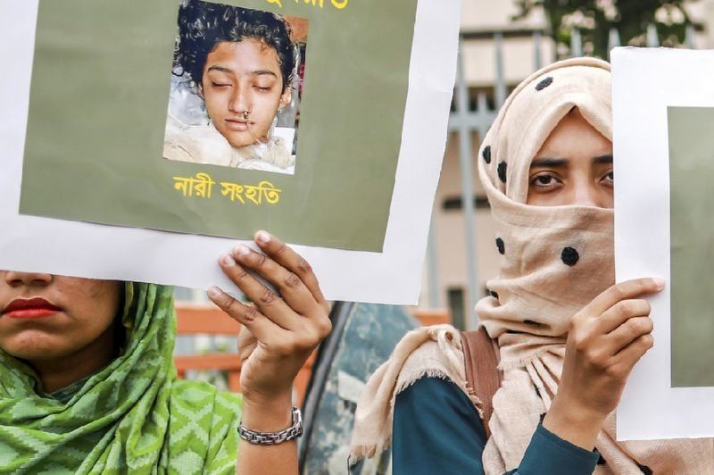 Bangladesh officer held for failing to probe teenager's grisly murder