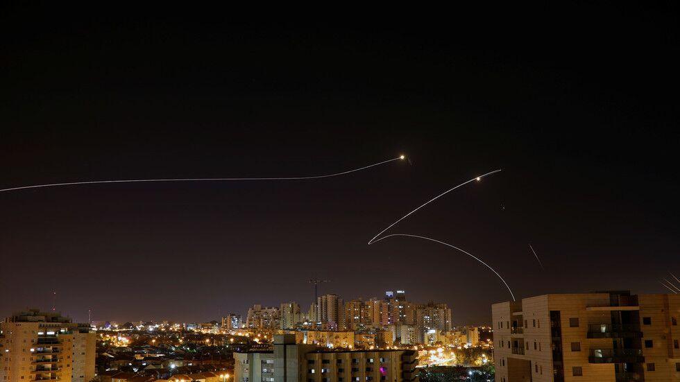 250枚火箭弹飞向以色列 后者报复性空袭超百个目标