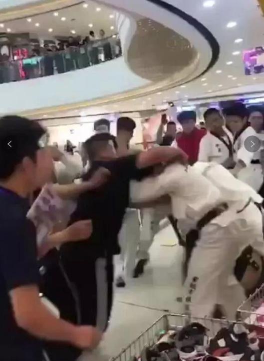 """跆拳道黑带在斗殴中被武术""""团灭""""?韩国人表示不服"""