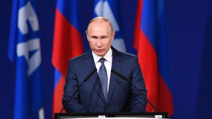 Putin signs Russian internet bill into law
