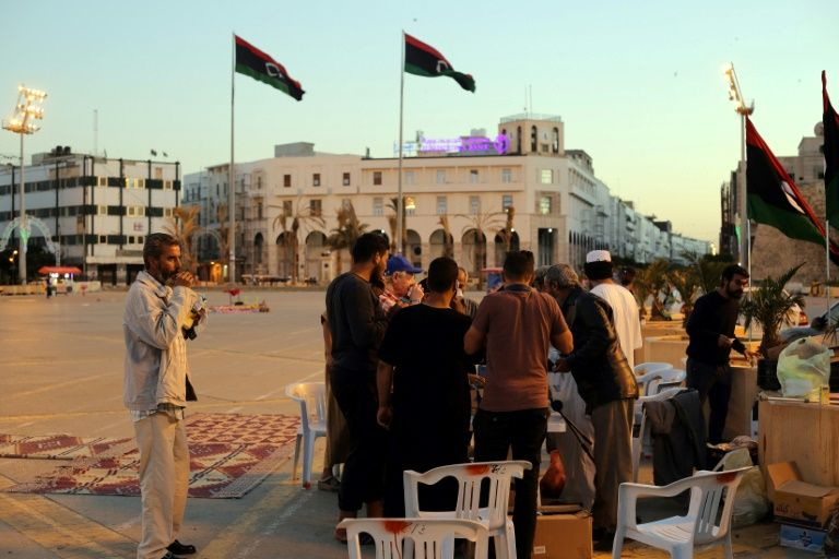Libyans band together to help Tripoli's displaced