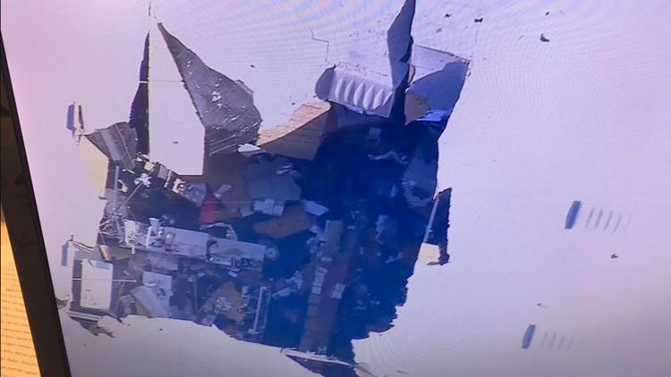 一架F16战机在美国加州坠毁 机上载有武器和油箱