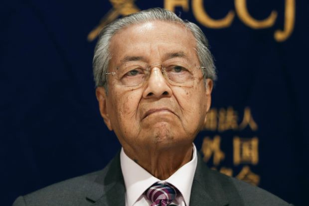 Dr M condemns stupidity of trade wars