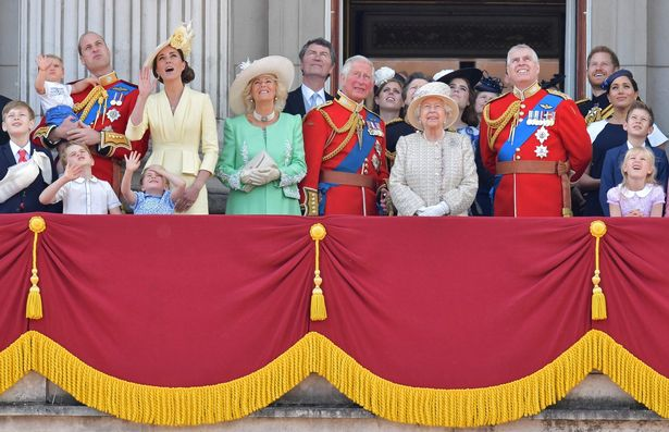 Coronavirus: Queen's birthday parade won't go ahead as Trooping the Colour cancelled