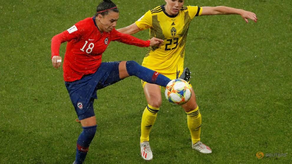 Rain in Rennes interrupts Sweden-Chile World Cup clash