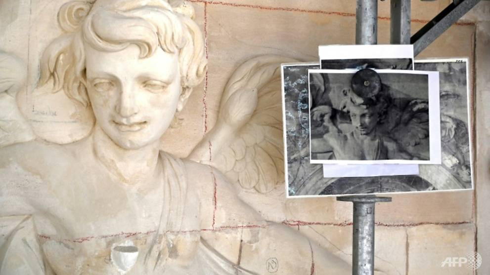 Versailles' Royal Chapel gets painstaking restoration