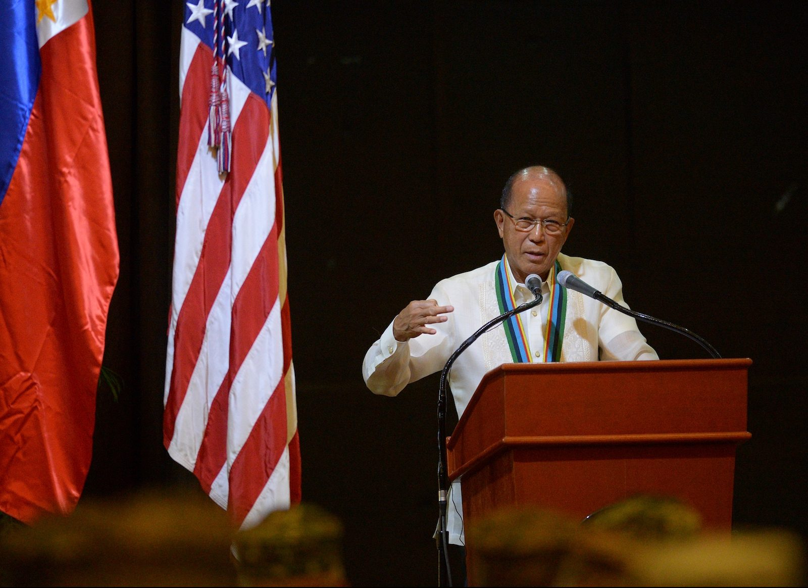 Duterte looks to boot US troops from Philippines