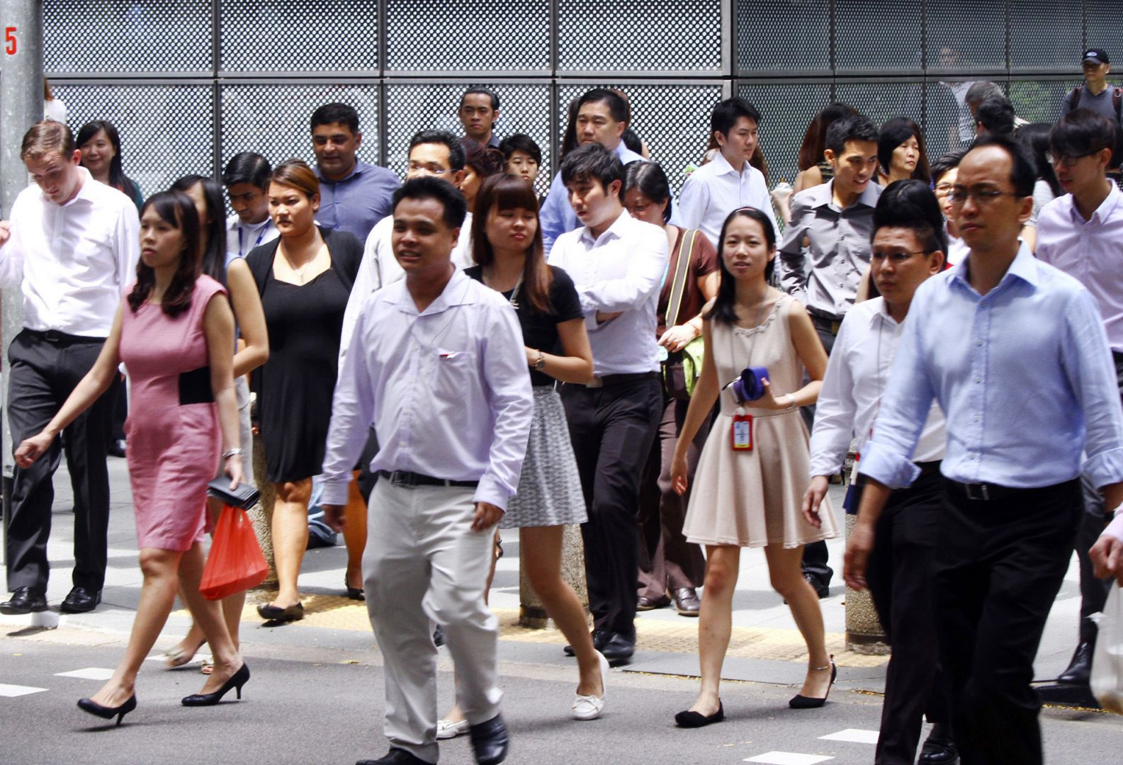 39% of Singaporean employees plan on switching jobs this year — new study