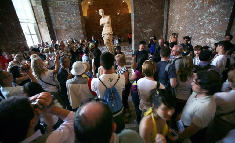 Venus de Milo to get an extra whiff of glamour