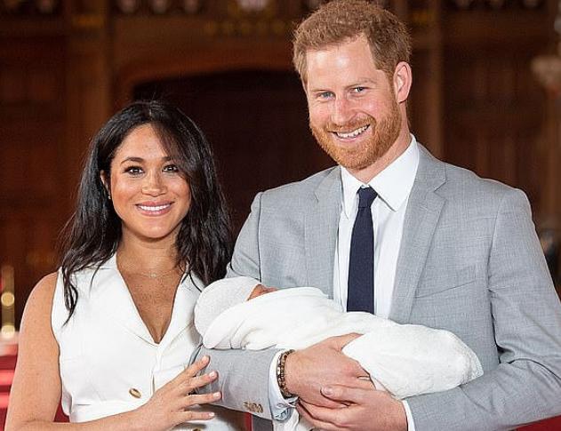 哈里梅根首次带宝宝出国访问:目的地敲定南非