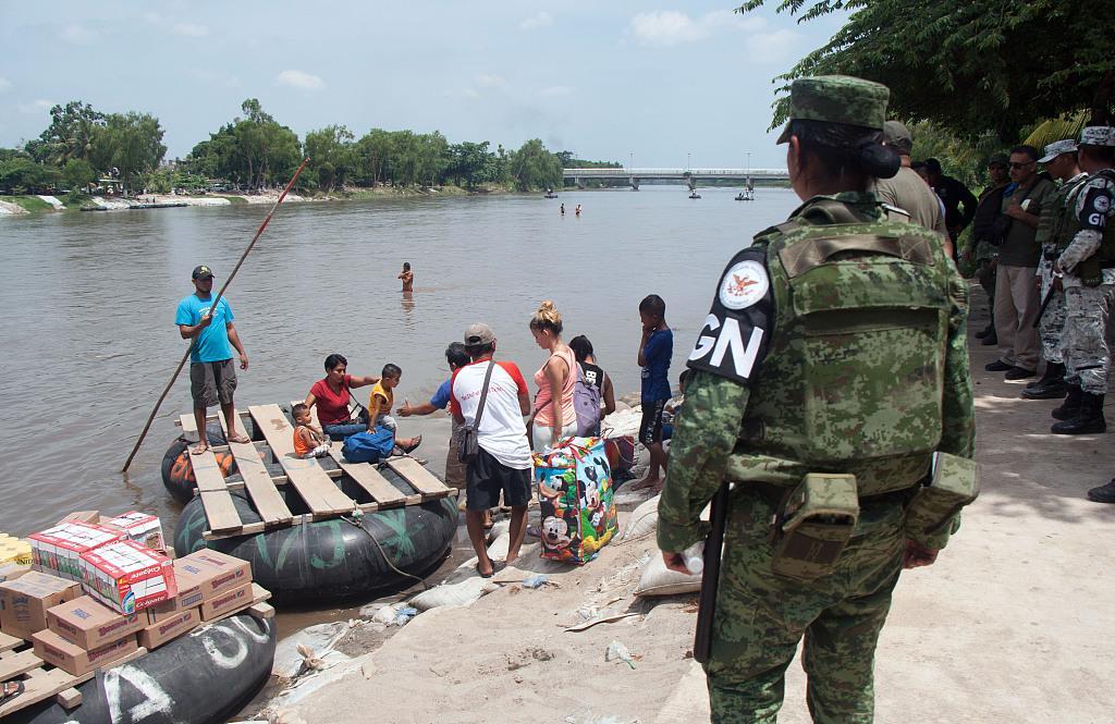 墨西哥国民警卫队严防非法移民偷渡前往危地马拉
