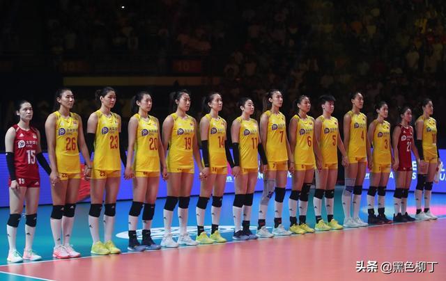 郎平赌赢了!中国女排一场3-1做出最完美回应,英雄团队KO意大利