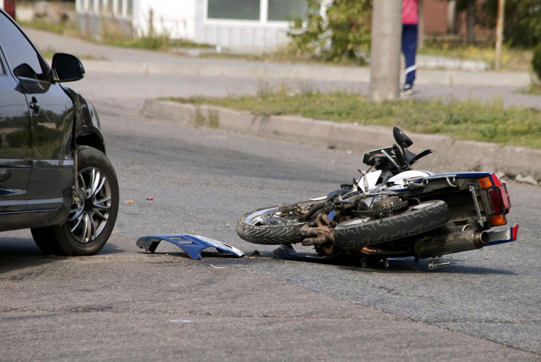 Multi-vehicle accident in Depok kills online 'ojek' driver, injures three others