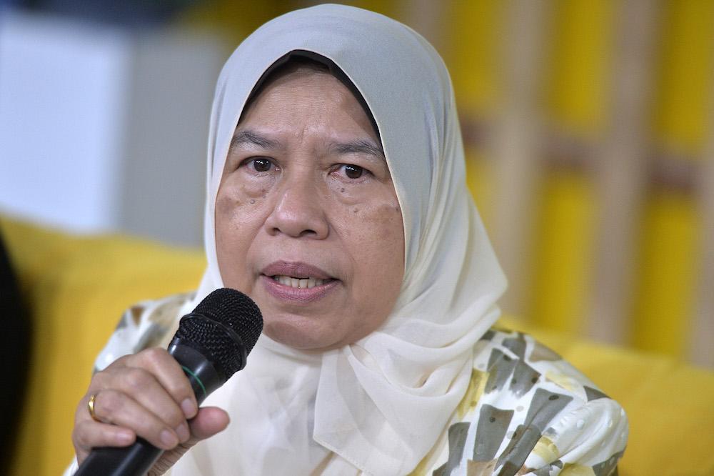 Zuraida dismisses claims on PM losing support