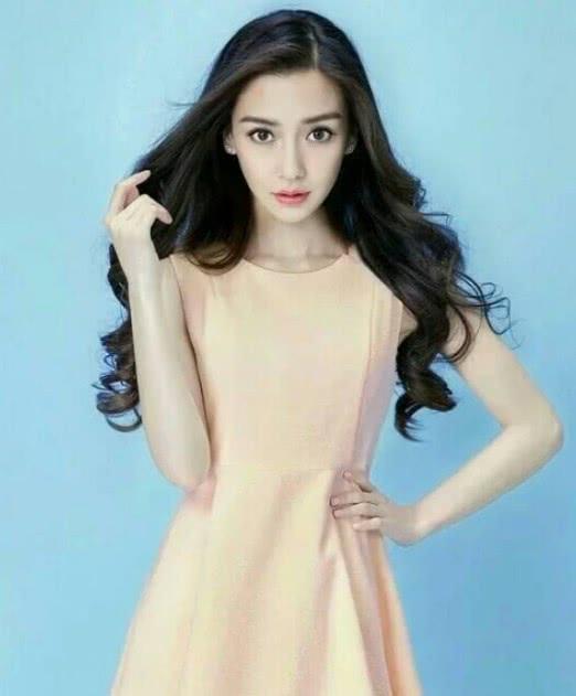 韩国网红花600万整成杨颖,看到整容前照片,网友:求你整回来