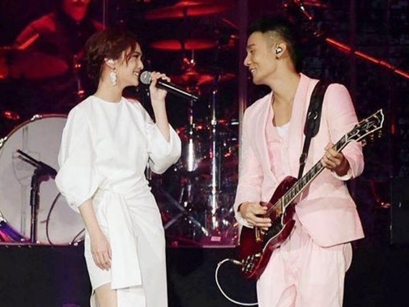 Fans praise Alien Huang for being supportive of ex Rainie Yang