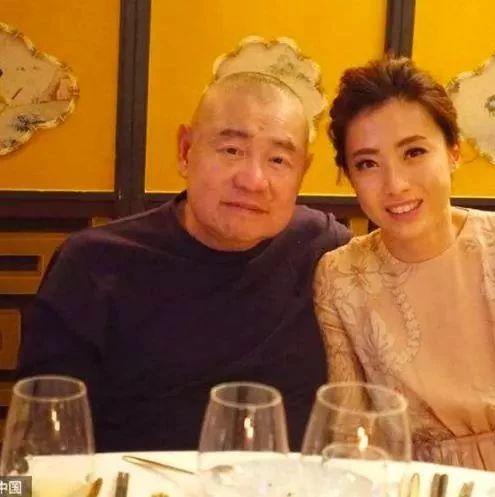 甘比近照摆脱土气,嫁大29岁关之琳前男友成香港女首富