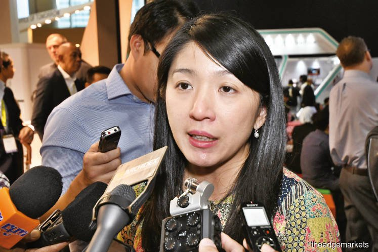 Solar electricity cheaper to produce, Yeo says as LSS3 bid closes