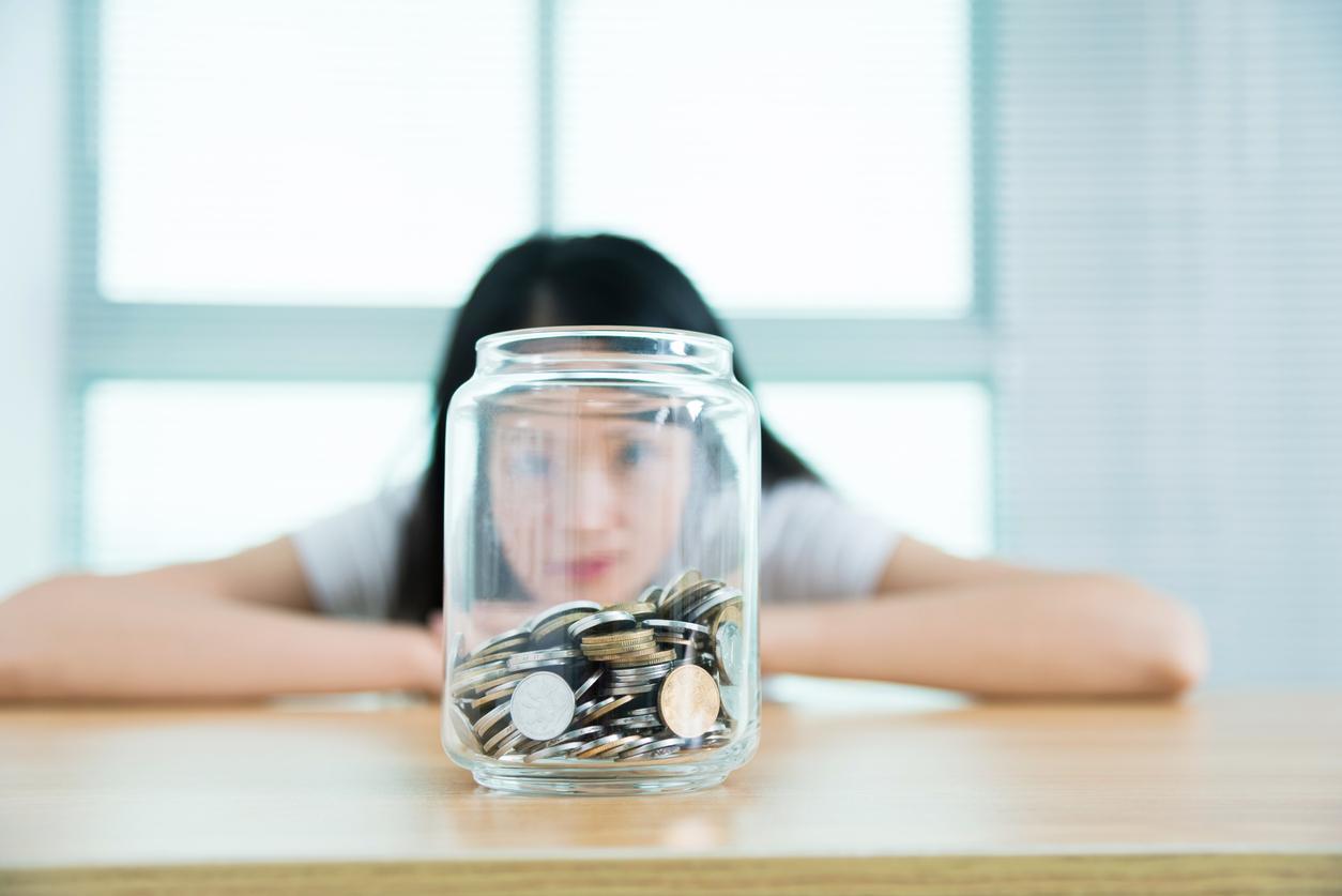 调查:全球每两人中有一人因冠病减少收入