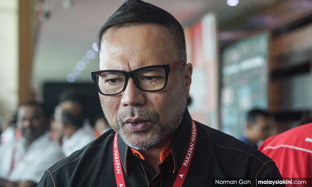 Anwar supporter drubs Dr M supporter over 'repeat of 98' remark