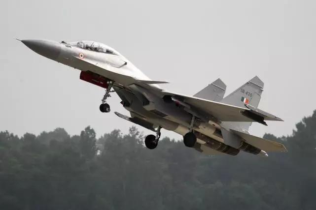 米格杀手工厂造重型战机,价格比原版贵一架枭龙,印度顶梁柱堪忧