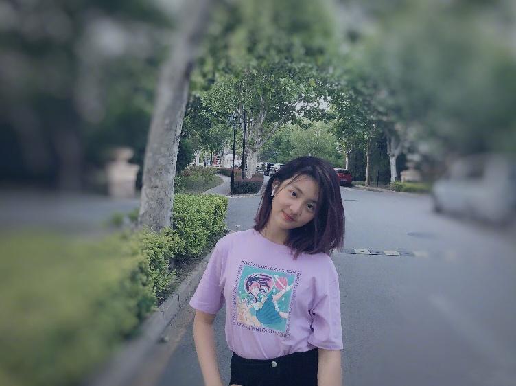 汪峰14岁大女儿晒近照,剪短发清爽自信,气质与章子怡越来越像!
