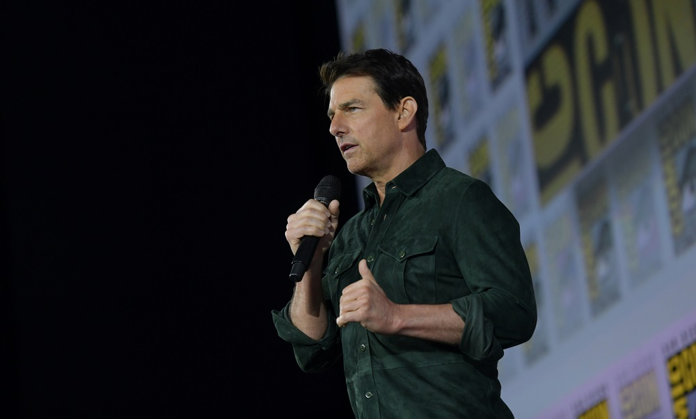 Tom Cruise shocks Comic-Con with new 'Top Gun' footage