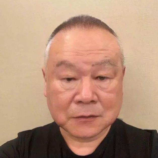 岳云鹏调皮晒老年妆,网友:岳岳老得好真实,怎么比现在帅了?
