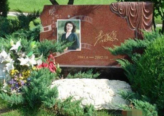 80年代最美女星,却因患上癌症英年早逝,留下独子今年已经17岁