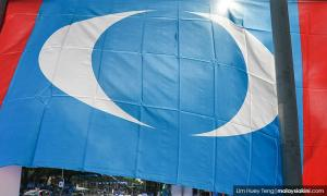 Azmin claims there's attempt to silence him, and 8 news from yesterday