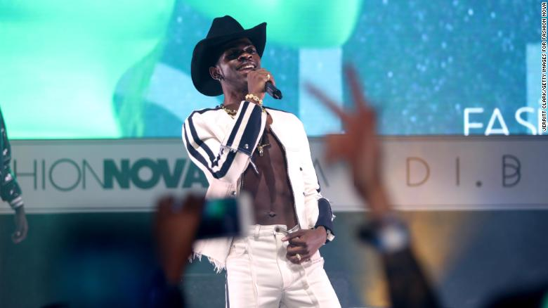 Teen Choice Awards 2019: Watch for Lil Nas X, Taylor Swift and serious surfboards