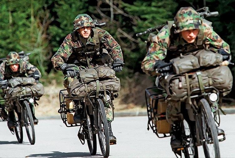 瑞士特种部队仅20人,却无人敢惹,执行任务首选自行车