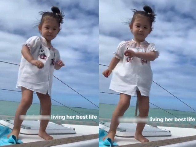 深得爸爸陈冠希真传!两岁Alaia搂肩金发小美女上演霸道总裁模式