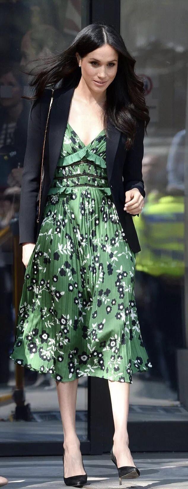 原创 梅根解锁新身份,化身时尚编辑,被时尚圈认可的她究竟有何魅力