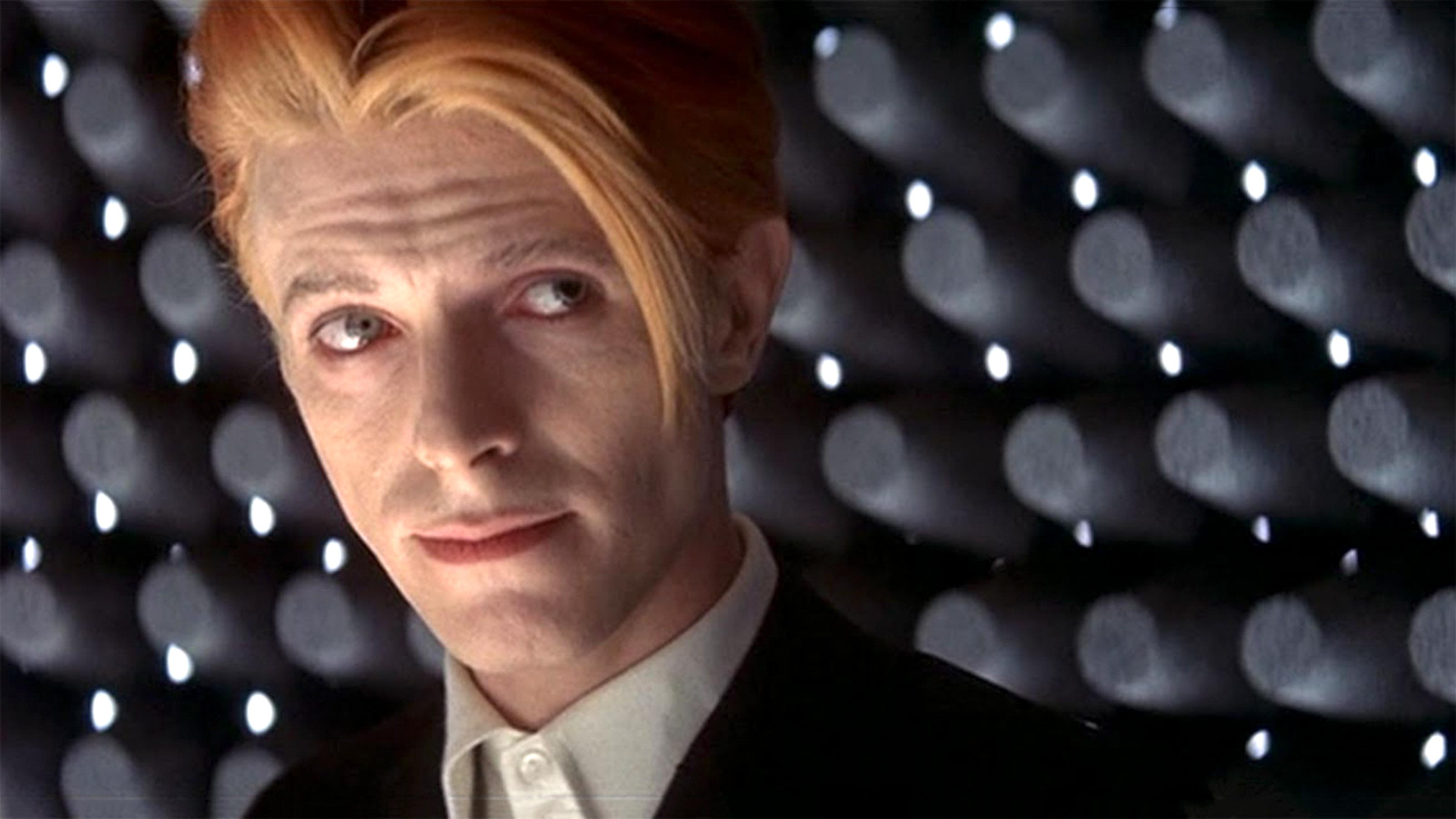 Man Who Fell to Earth TV series coming from Star Trek producer