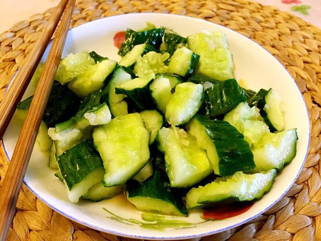 夏天没有食欲怎么办?来盘凉拌黄瓜,做对第一步,爽脆可口还好吃