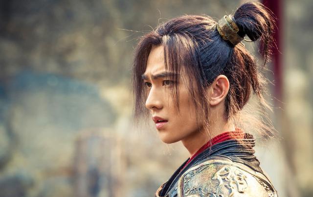 从《红楼梦》到《全职高手》,出道十二年杨洋颜值成熟演技在进步