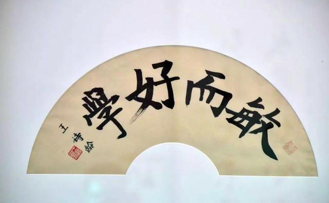 李湘晒女儿近照,9岁王诗龄全身奢侈品,帽子包包价值过万