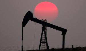 Oil kicks off week with gains on fresh hopes for US-China trade talks